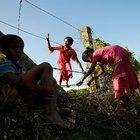 MYANMAR'DAKİ MÜSLÜMANLAR BANGLADEŞ'E GEÇİŞ YAPTI!