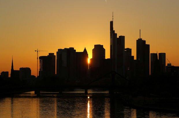Frankfurt'ta patlamamış bomba bulundu! 70 bin kişi tahliye edilecek...