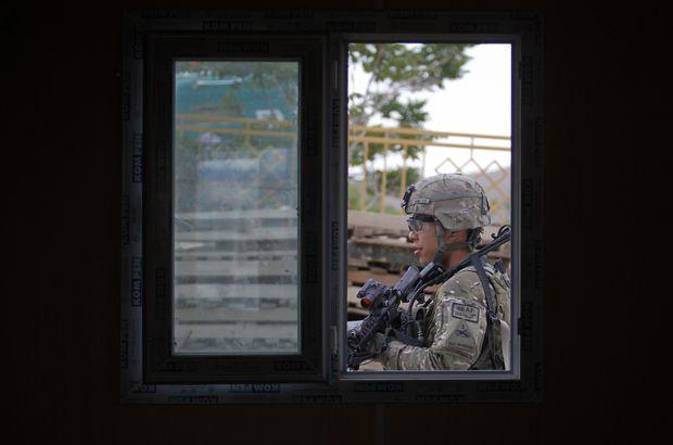 Afganistan'da ABD uçakları sivilleri vurdu