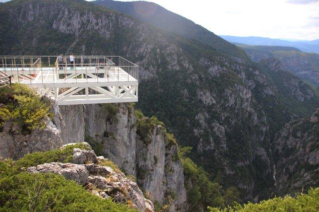450 metre yüksekteki cam seyir terasına yoğun ilgi
