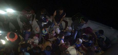 Didim'de yasa dışı yollarla yurt dışına çıkmak isteyen 49 göçmen yakalandı.