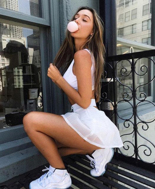 Alexis Ren'in paylaşımları sosyal medyayı sallıyor