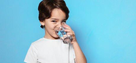 Çocuklar ne kadar su içmeli?