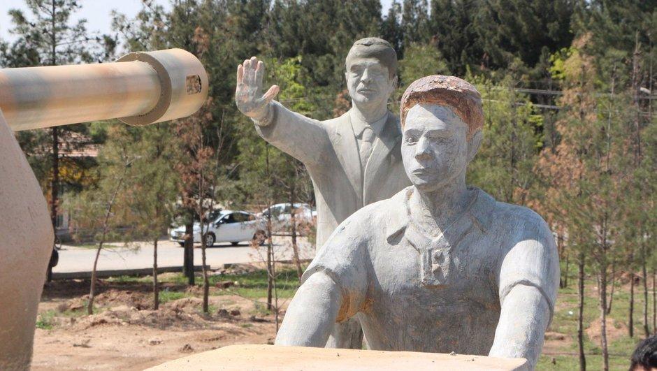 Recep Tayyip Erdoğan heykeli