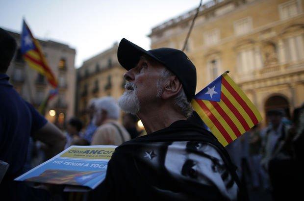 700 Katalan belediye başkanına 'referandum' soruşturması!