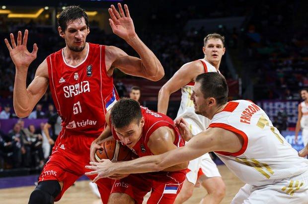 Sırbistan EuroBasket 2017'de finale çıktı