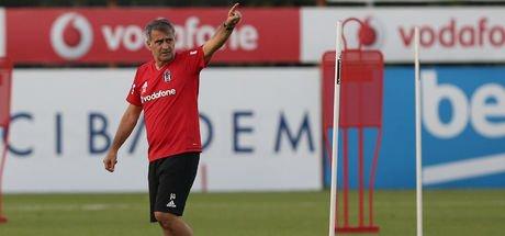 Beşiktaş antrenmanında Medel krizi
