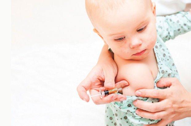 Tüm çocuk aşılarını tek iğnede toplamayı başardılar