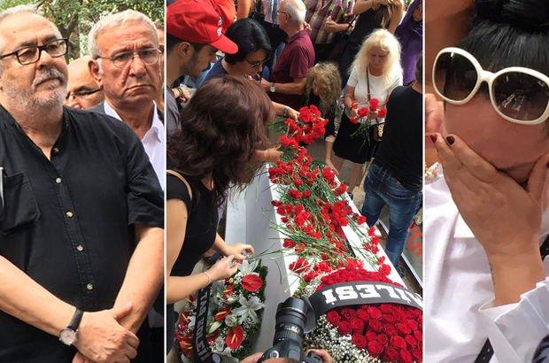 Usta sanatçı Tarık Akan mezarı başında anıldı