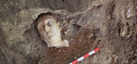 Side Antik Kenti'ndeki kazılarda 3 heykele ulaşıldı