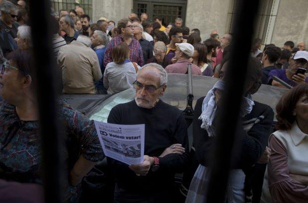 İspanya'da Katalanlara 'referanduma katılmayın' çağrısı