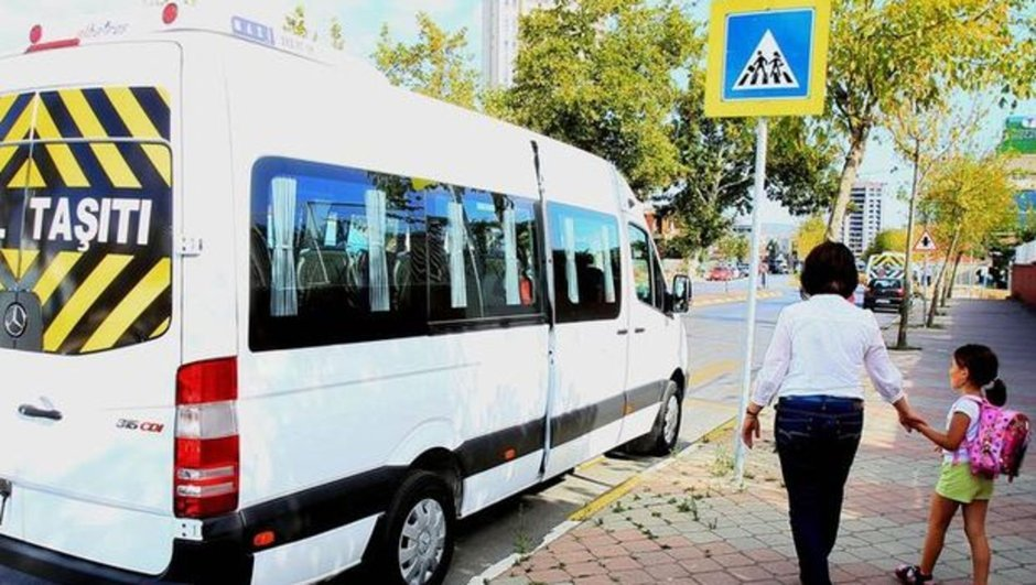 Jülide Sarıeroğlu servis şoförleri