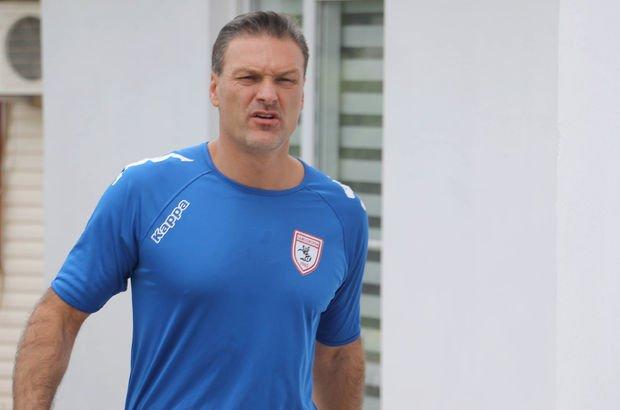 Samsunspor, Alpay Özalan ile devam etme kararı aldı