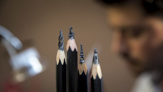 Kurşun kalemden sanat yaptı