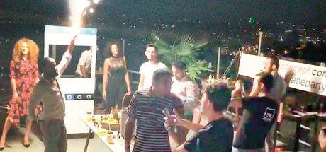 'Elektronik sigara' partisini polis bastı