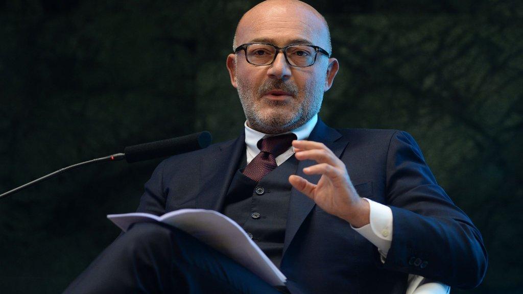 Garanti Bankası Yönetim Kurulu Başkanı Ferit Faik Şahenk görevini devretti
