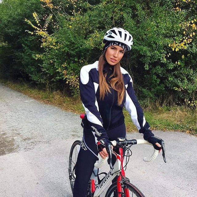 En güzel bisikletçi Lucia Javorcekova!