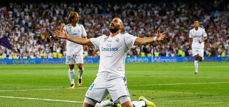 Real Madrid, Benzema'nın sözleşmesini 2021'e kadar uzattı