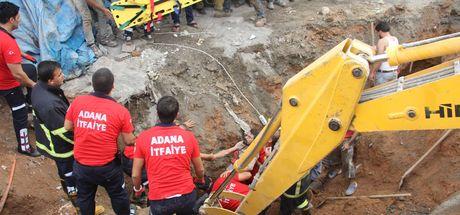 Göçük altında kalan 2 işçi kurtarıldı