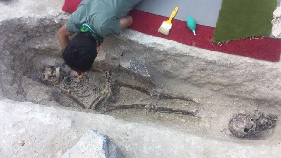Yeraltı şehri temizleme çalışmalarında mezar bulundu