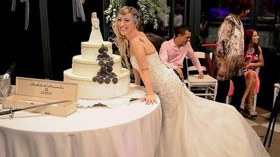 Kendisiyle evlendi