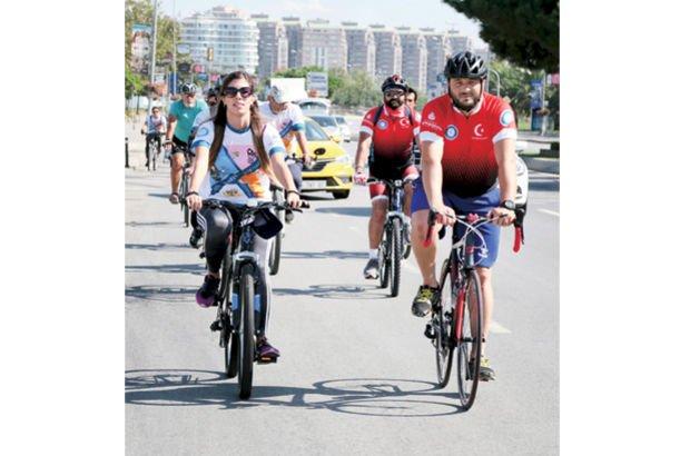 Kartal-Bostancı arası bisiklet sürdüler