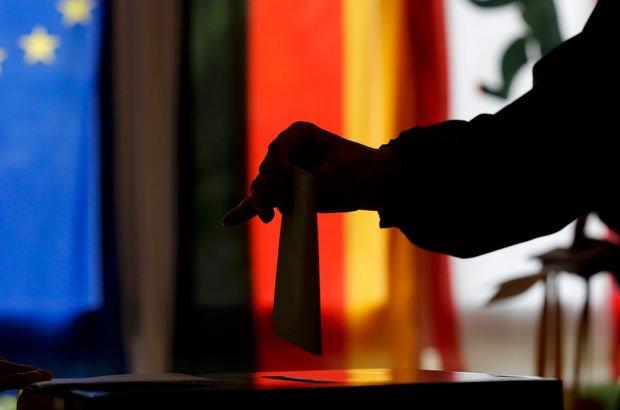 Almanya seçim Gomis