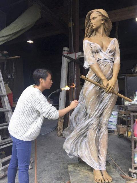 Barok ve Rönesans teknikleri bugünün heykellerini işliyor