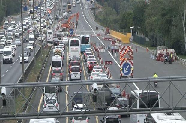 Pazartesi kâbusu! İstanbul'da trafik felç oldu
