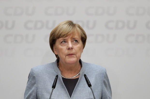 Angela Merkel'den kaybettiği oyları geri kazanma sözü