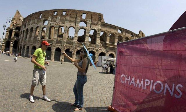 Avrupalılar turistlerden bıktı