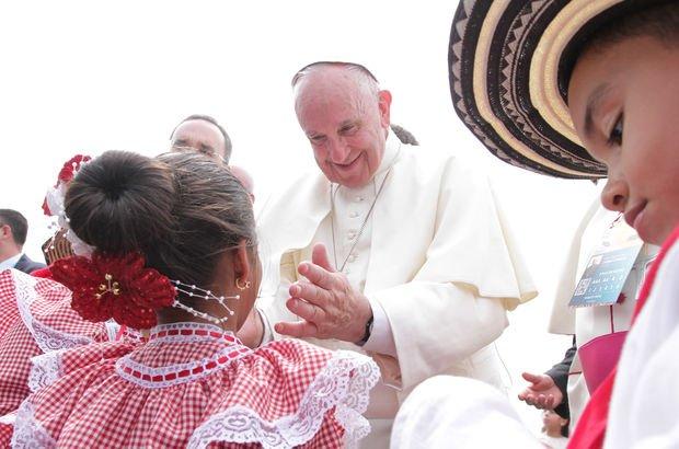Vatikan'da Papa'ya 'sapkın' suçlaması