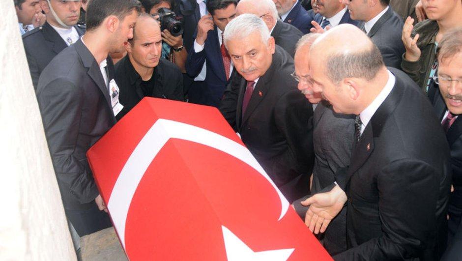 AK Partili Abdülkadir Yüksel için Meclis'te tören