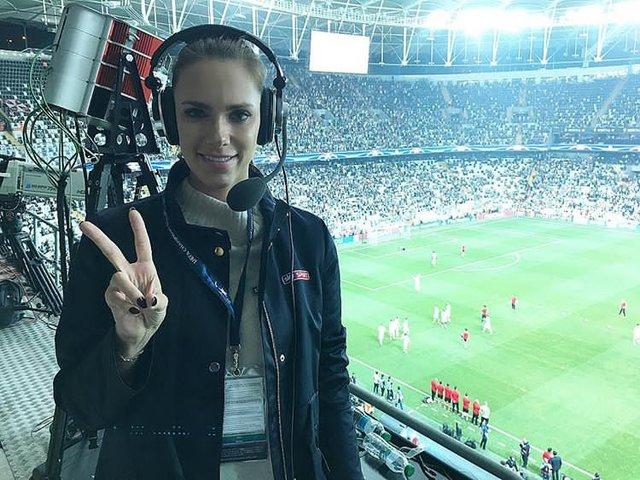 Vodafone Park'ta dikkat çeken spiker: Esther Sedlaczek