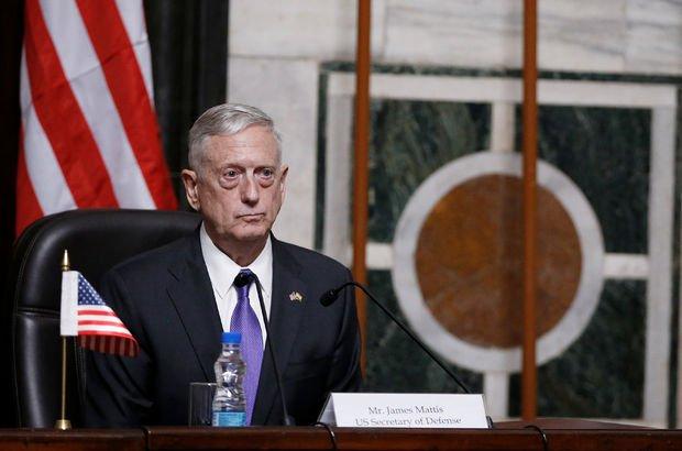 ABD Savunma Bakanı'nın indiği havaalanına roket!