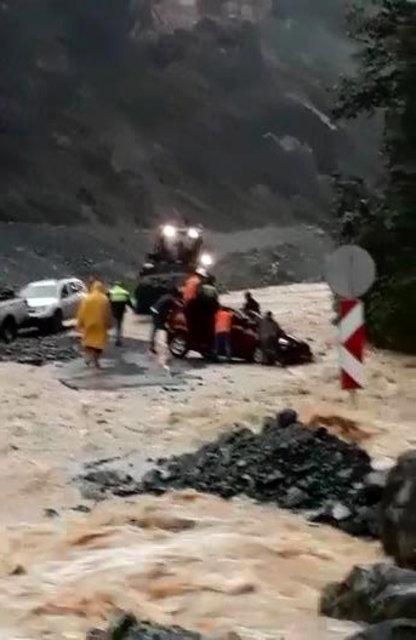 Rize'de sel felaketi can aldı