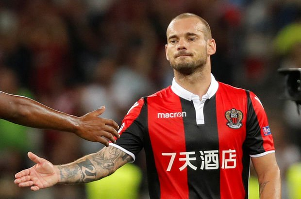 Hocasından Sneijder için şok sözler!