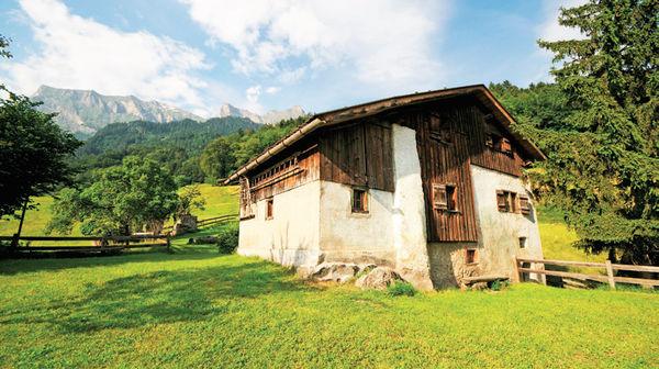 Levent özçelik Alplerin Kızı Heidinin Köyü Habertürk