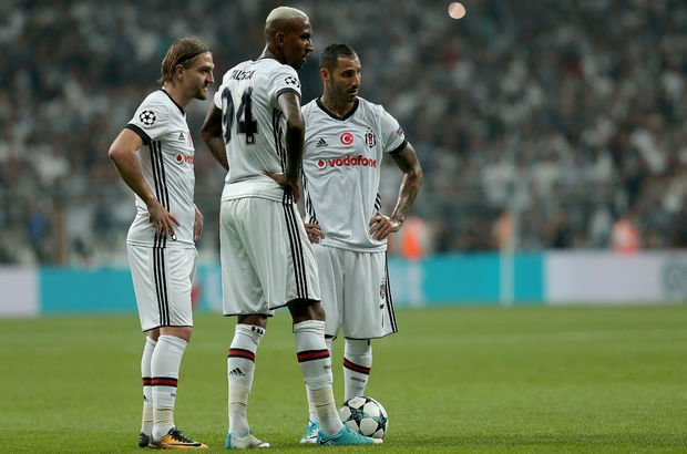 Caner Erkin - Anderson Talisca