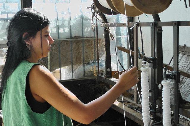 Taş baskı zeytinyağının 40 yıllık torbacısı