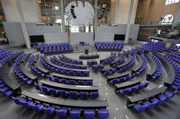 Alman Meclisi'nde yer tartışması! AfD ile yan yana oturmak istemiyorlar