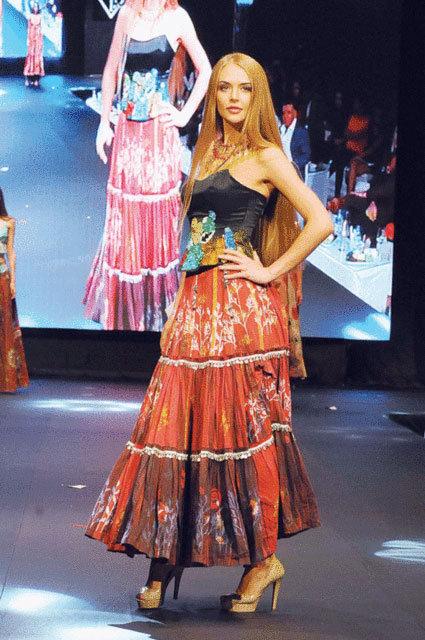 Mehmet Ali Erbil, Miss Fashion TV 2017 yarışmasında rahatsızlandı