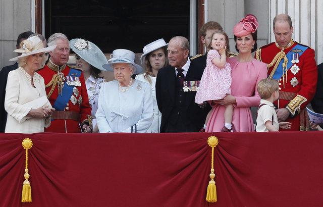 Kraliyet ailesindeki yasaklar herkesi şaşırttı