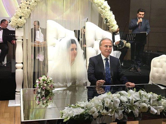 Mehmet Ali Şahin Zuhal Fırat ile evlendi