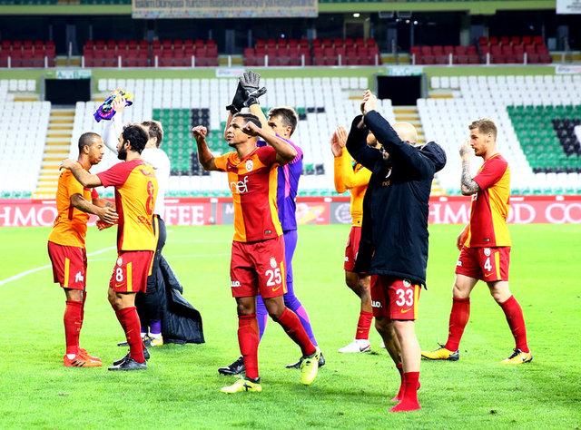 Galatasaray, ezeli rakiplerine 8 puanlık fark attı 18