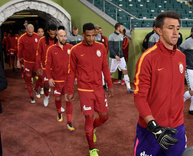 Galatasaray, ezeli rakiplerine 8 puanlık fark attı 14