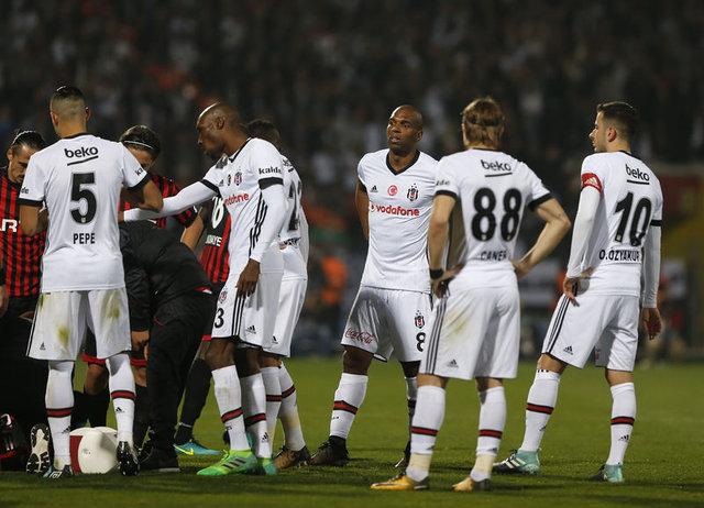 Galatasaray, ezeli rakiplerine 8 puanlık fark attı 45
