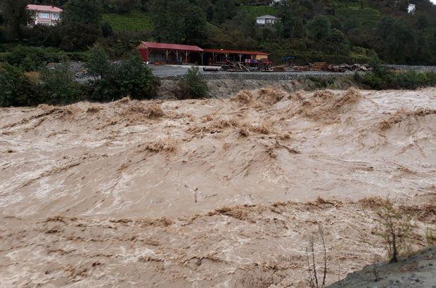 Artvin Arhavi'de şiddetli yağmur sele yol açtı