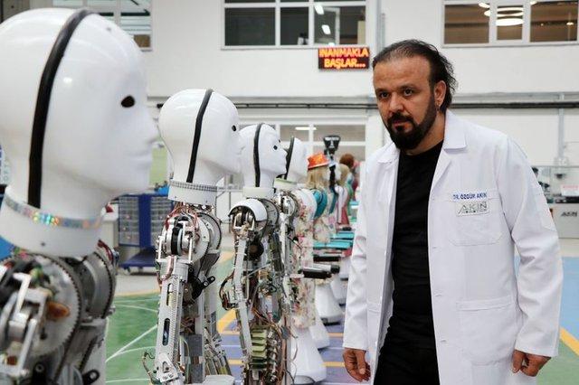 Milli insansı robot seri üretime başladı