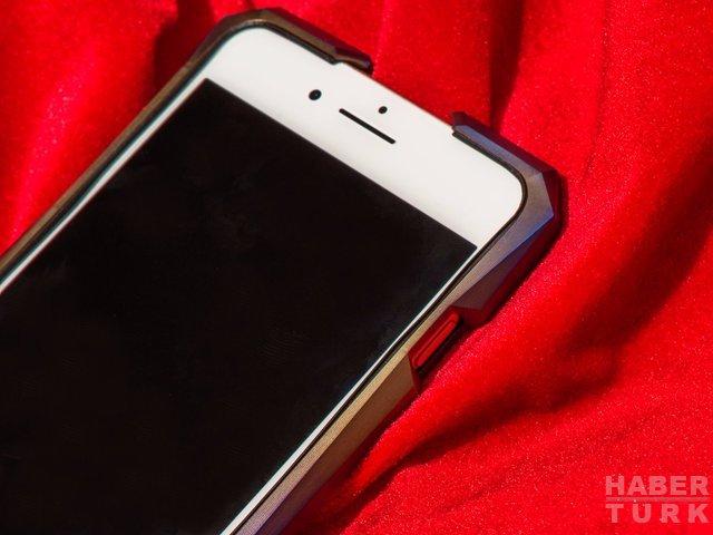 iPhone için kendisinden pahalı titanyum kılıf